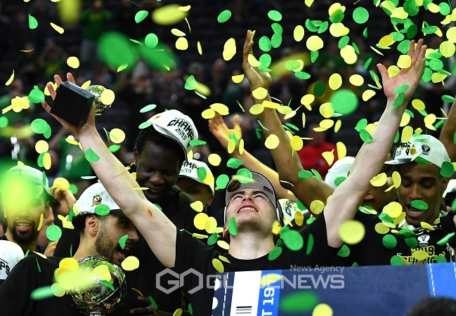 NCAA Basketball: Pac-12 Conference Tournament Final-Oregon vs Washington