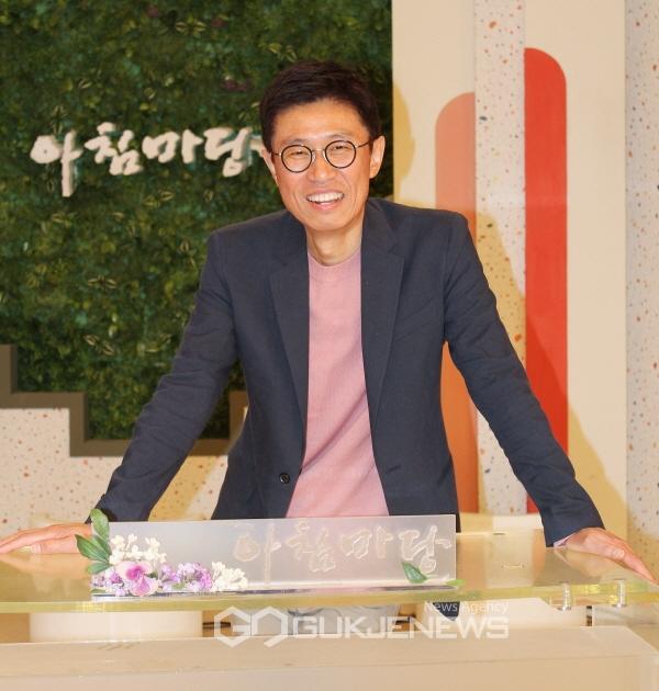 [인터뷰] 꿈꿀 권리 이헌희 피디, 아침마당 도전! 꿈의 무대 수장
