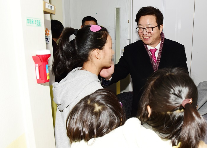 염태영 수원시장 등 시 간부공무원들, 사회복지시설 및 군부대 방문·위문