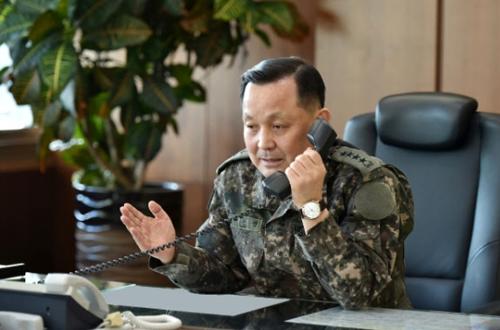 철원 최전방서 확인 미상 비행체 MDL 남하…軍 경고사격