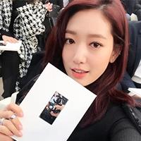 박신혜, 파리 패션쇼서도 빛나는 단아한 자태