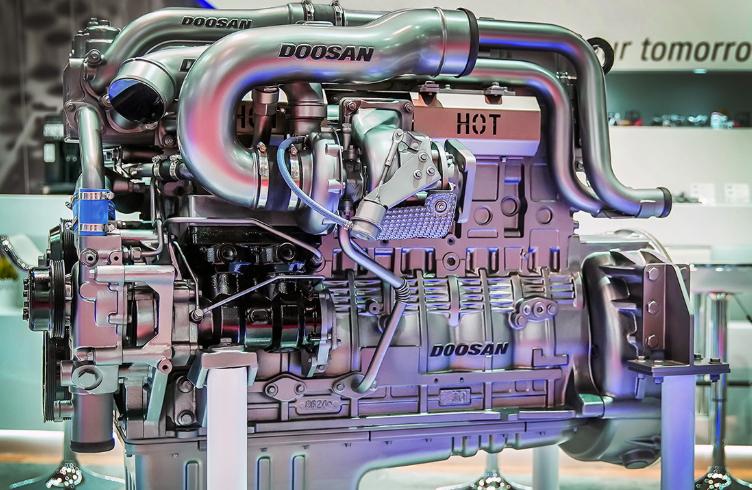 두산인프라코어, 상용차 시장에 유로6 전자식 엔진 출시