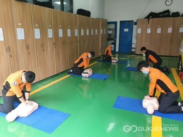 '특별구조 교육훈련' 모습/제공=남부소방서