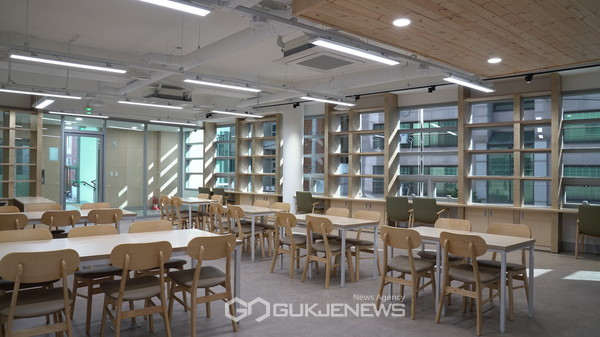 상도4동 주민센터 2층에 위치한 북카페 사진