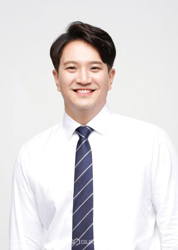 더불어민주당 전용기 국회의원(비례대표)