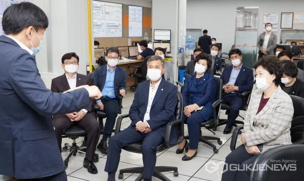 (사진제공=용인시의회) 용인시의회, SK하이닉스 이천 캠퍼스 방문