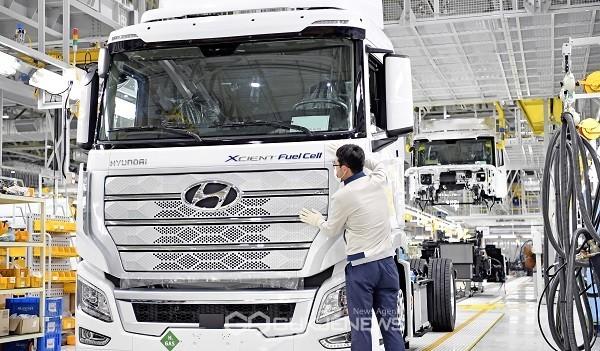 현대차 수소전기트럭 양산체제 구축...스위스로 첫 수출