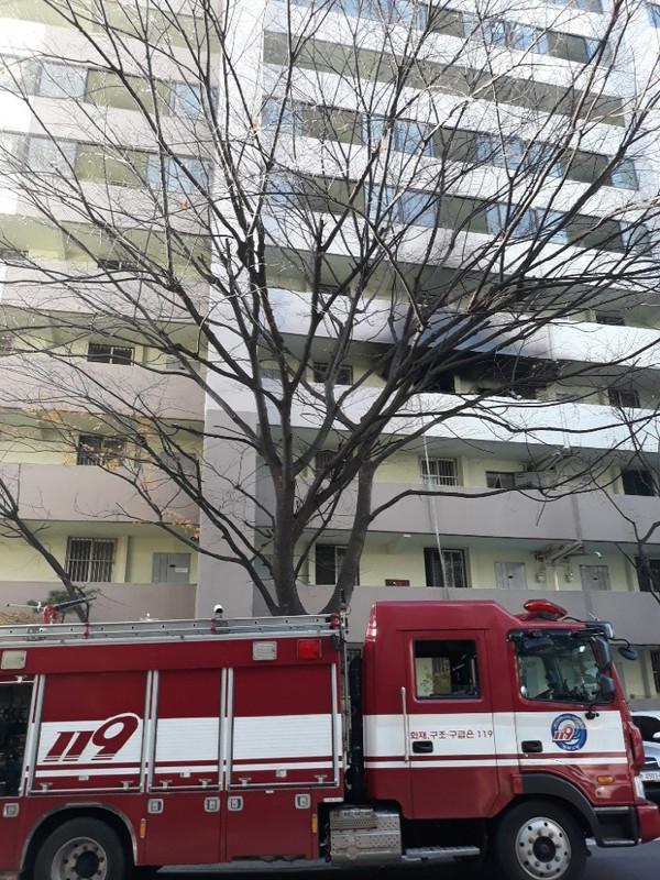 화재가발생한아파트전경