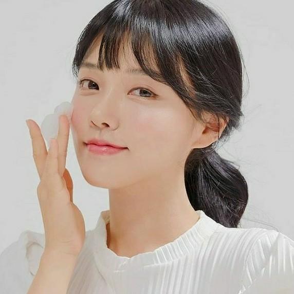 메이크업아티스트 겸 가수 문송희, 핑크빛 메이크업 화보 공개