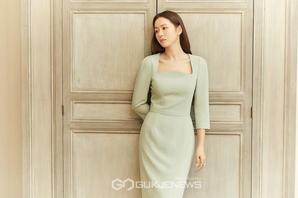 비에이유 바이 브라이드앤유, 뮤즈 손예진 스프링 화보 공개