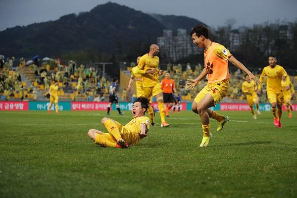 K리그1 7라운드 이희균 득점 세리머니 모습(사진출처=한국프로축구연맹)