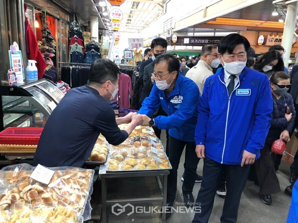 김윤덕 의원, 이낙연선대위원장과 박영선 후보 지원유세