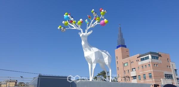 홍천군 공공미술 프로젝트 '비상(飛上) & 비상(非常)'을 통해 제작된 작품. 사진=홍천군