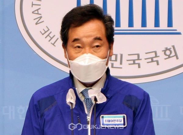 이낙연 더불어민주당 상임선대위원장.