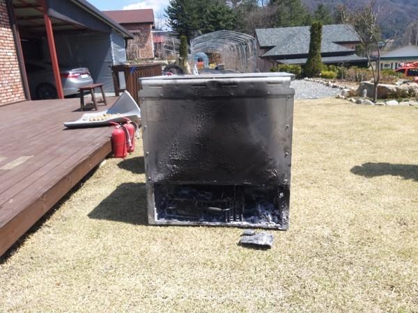 횡성군 둔내면 한 주택에서 화재가 발생한 김치냉장고. 사진=횡성소방서