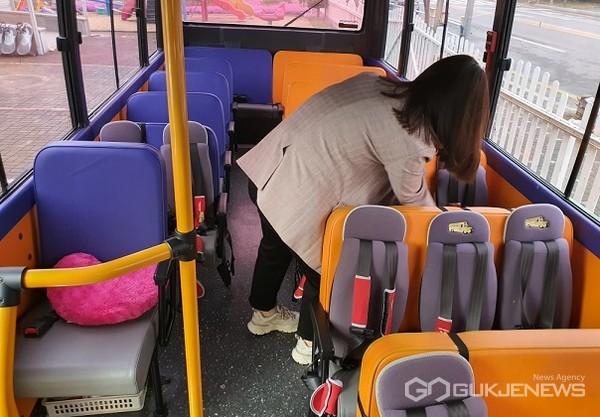 어린이집 차량 점검 모습(사진=제천시)