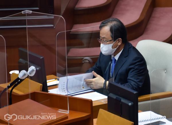 제296회 시의회 2차 본회의 모습/제공=부산교육청