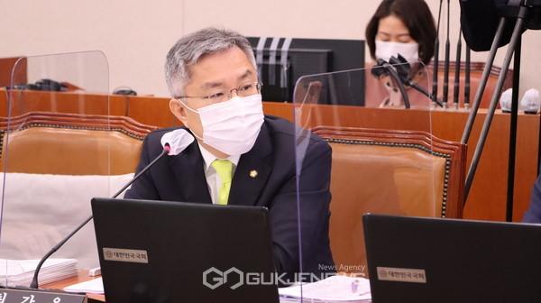 열린민주당 대표 최강욱 의원