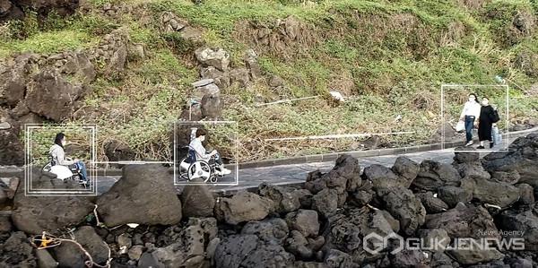길안내 서비스 알고리즘이 적용된 전동휠체어 자율주행(예시)(사진=성남시)
