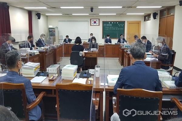교육위원회 모습.(제공=충북도의회)