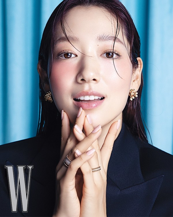 [화보] 박신혜, 화사하게 빛나는 미모