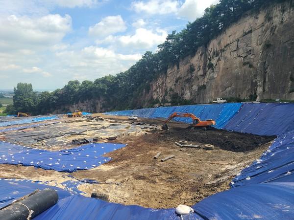 (사진=익산시) 해동환경 폐석산 5만톤 행정대집행 완료