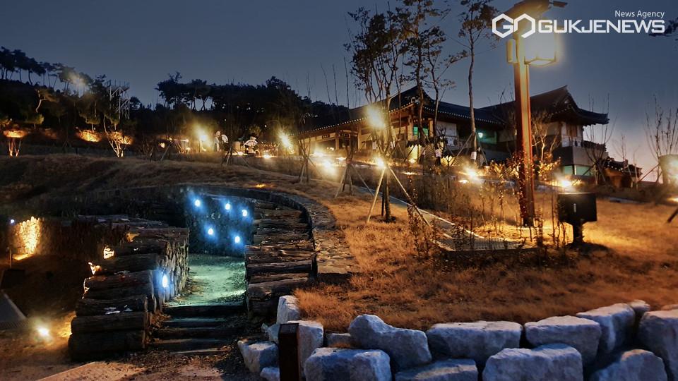 야간 개장한 영천한의마을 한방테마거리
