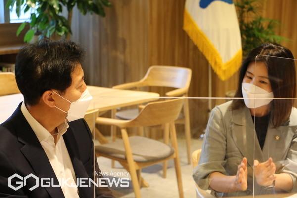 김미애 의원-오세훈 시장 면담 모습
