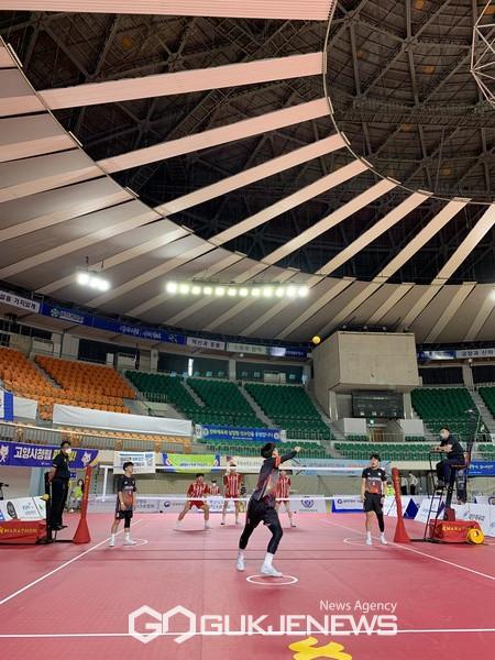 세종하이텍고 선수들이 세팍타크로 대회에서 2관왕을 달성했다.