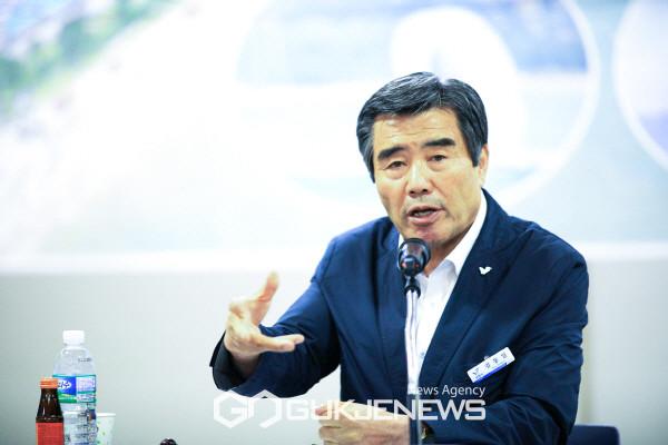 김동일 충남 보령시장. 국제뉴스DB