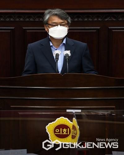 임동현 의원이 5분 발언을 하고 있다.(제공=충북도의회)