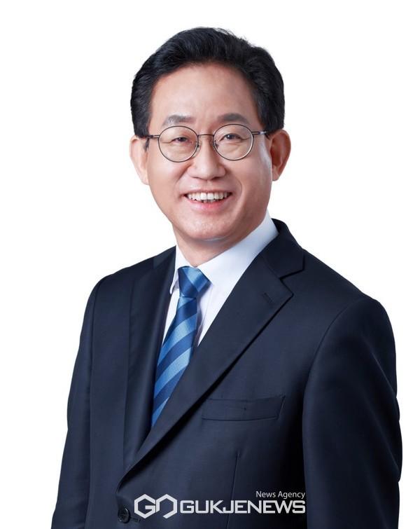 국회 교육위원회 유기홍 위원장(더불어민주당·서울관악구갑)