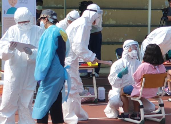 [속보]양산 코로나 확진자 6명 추가...감염경로 공개(국제뉴스DB)