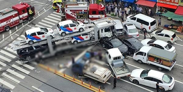 여수 탁송차량 사고(사진=여수소방서 제공)