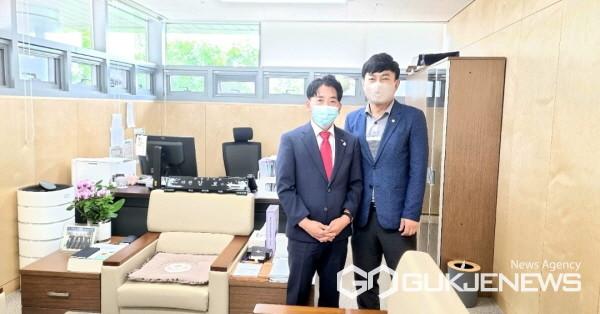 사지 좌로부터 이병창 단장, 김보경 의원(사진제공=한국장애인마이스 협회)
