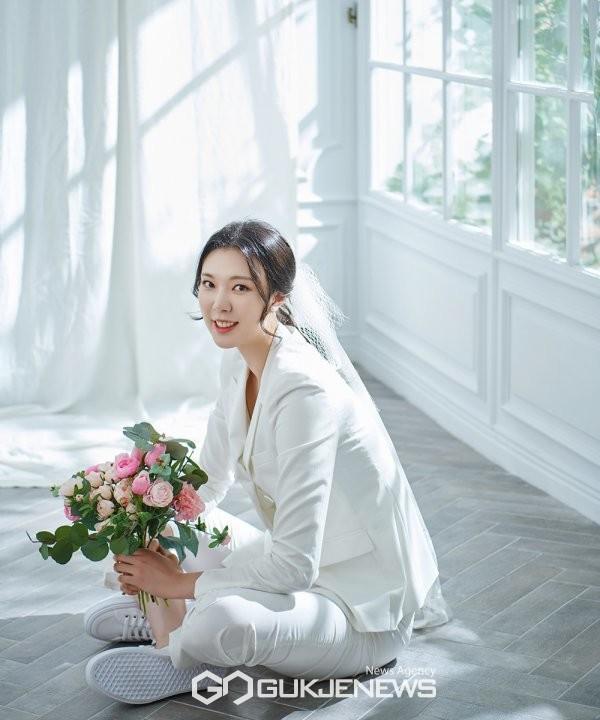 양효진 남자친구 아닌 남편, 웨딩화보 '미모 포텐'(사진=현대건설배구단)