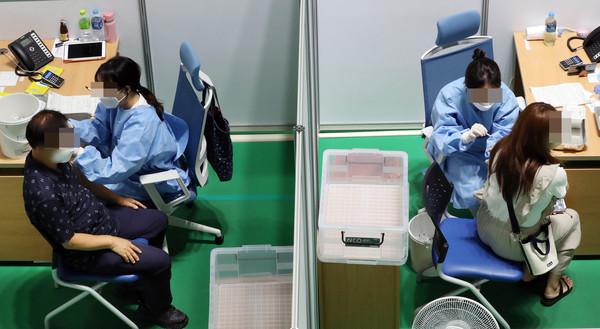 [속보] 김해 코로나 확진자 6명 발생 '누적 2314명' (국제뉴스DB)