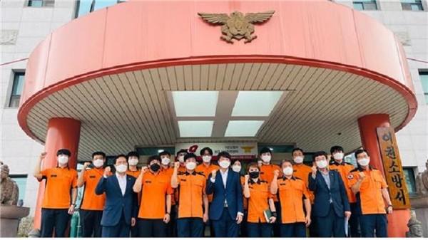 (사진제공=송석준 의원실) 송석준 의원과 이준석 대표, 이천소방서 격려방문