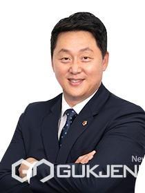 부산시의회 도시환경위원회 고대영 의원이 14일 열린 제299회 임시회 제3차 본회의 '시정질문'을 통해 '공공개발 이익 환수가 시민환원으로 이어져야 한다고 주장했다