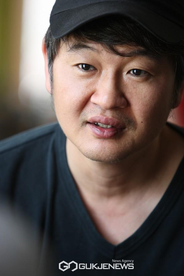 심사위원장 영화감독 허진호