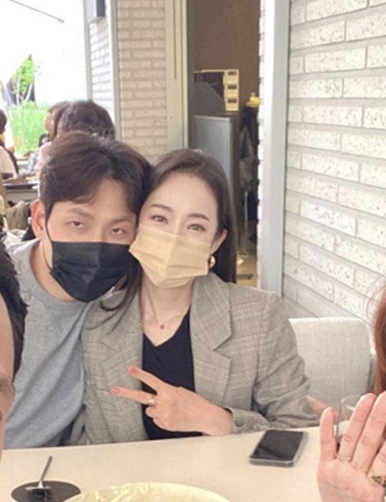 박은영, 나이 연하 남편과 달달 데이트