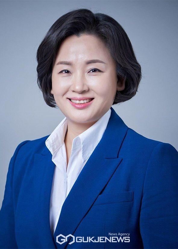 국회 환경노동위원회 이수진 국회의원(비례대표)