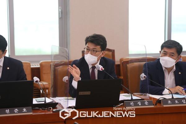 국회 국토교통위원회 진성준 의원(더불어민주당 서울 강서을)
