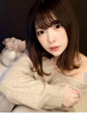 일본AV배우 모리히나코, 김치태극기sns에 올려