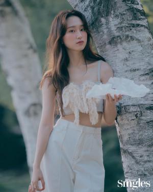 류혜영 화보, 청초한 모습 눈길